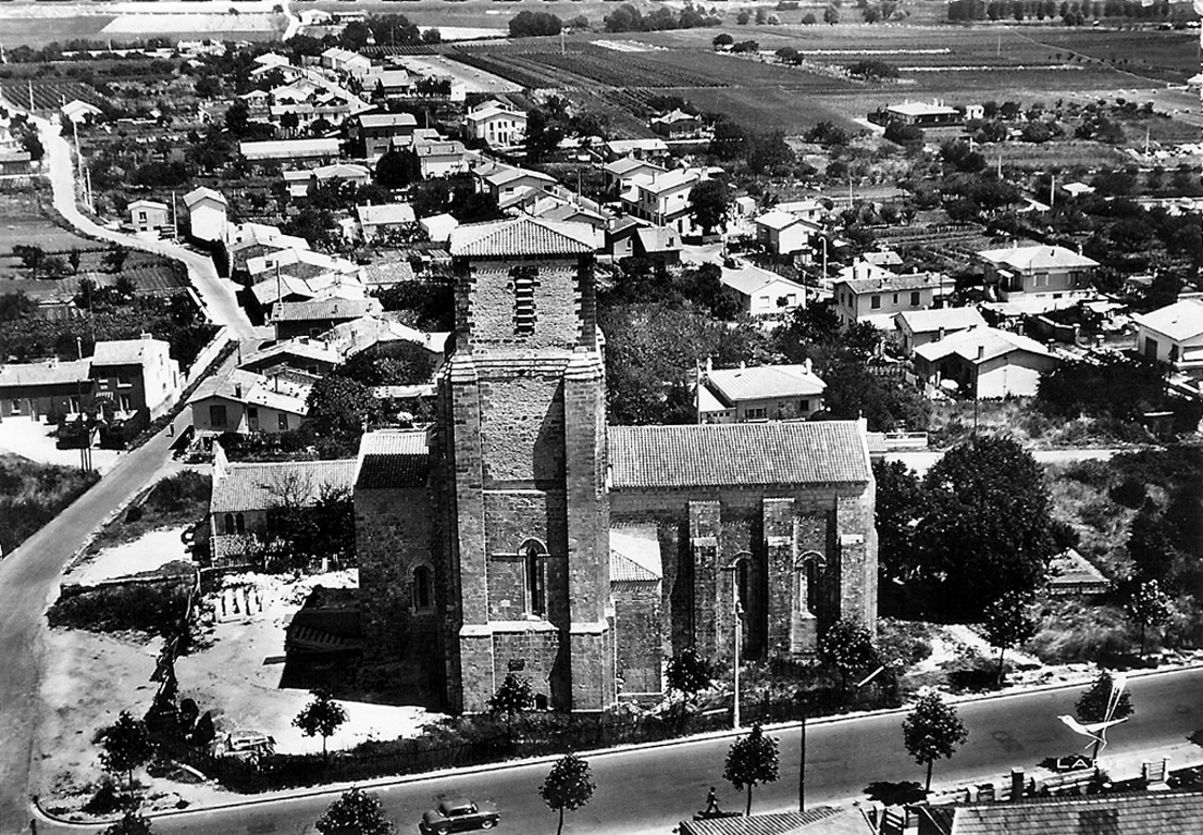 Photo en Noir et Blanc de l'Église Saint Pierre de Royan